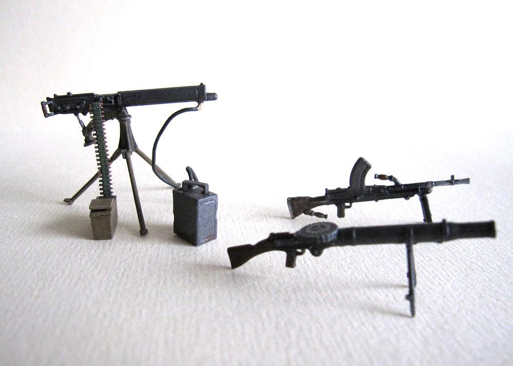 Review: British Infantry Weapons WW II Era | IPMS/USA Reviews