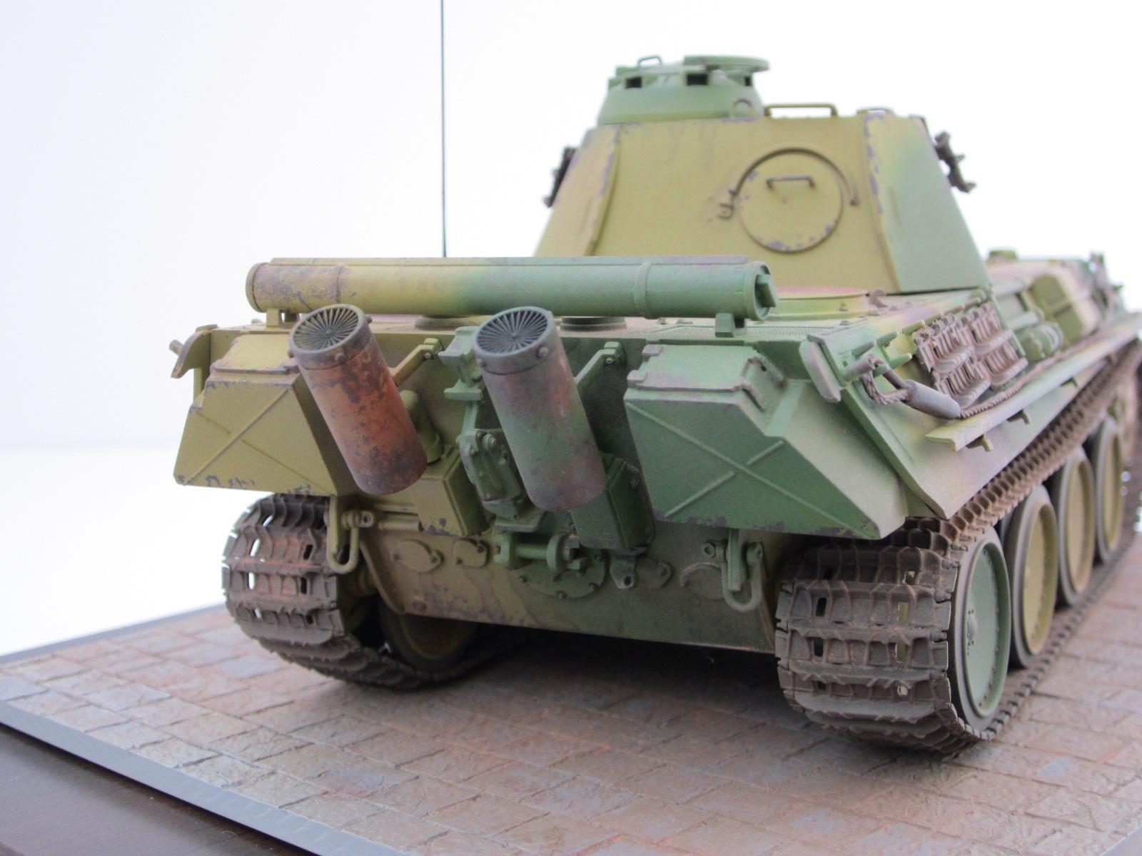 Panther auf A, D et G avec le canon mobile en élévation au 1/50 Rear